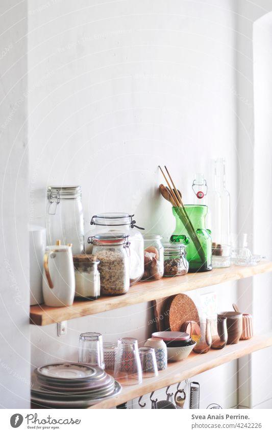 Küche selberbauen Holzbrett DIY Essen Food Müsli Geschirr zuhause home Alltag Gläser Schalen & Schüsseln natürlich hell living Teller Lebensmittel