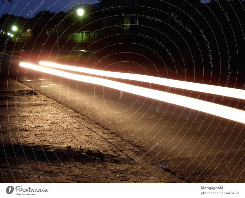 Speed Straße PKW Geschwindigkeit Lichtstreifen