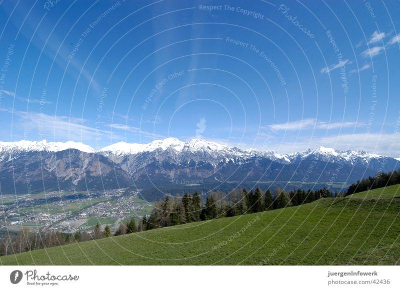 Blick auf Seegrubeb Wiese Bundesland Tirol Wolken Panorama (Aussicht) Berge u. Gebirge Landschaft Graffiti groß