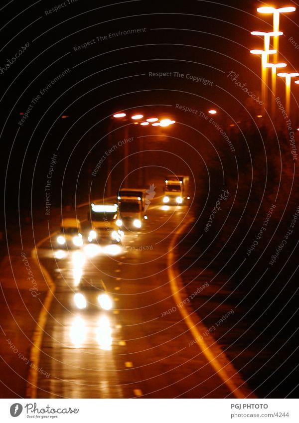Nacht Verkehr Autobahn unterwegs PKW Lastwagen Straße Beleuchtung Ferien & Urlaub & Reisen