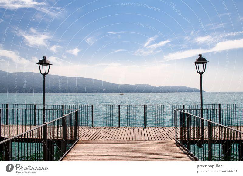 Steg ins Glück - Lago di Garda Wassersport Landschaft Sommer Schönes Wetter Wärme Berge u. Gebirge Seeufer Strand Gardasee Gargnano Italien Italienisch