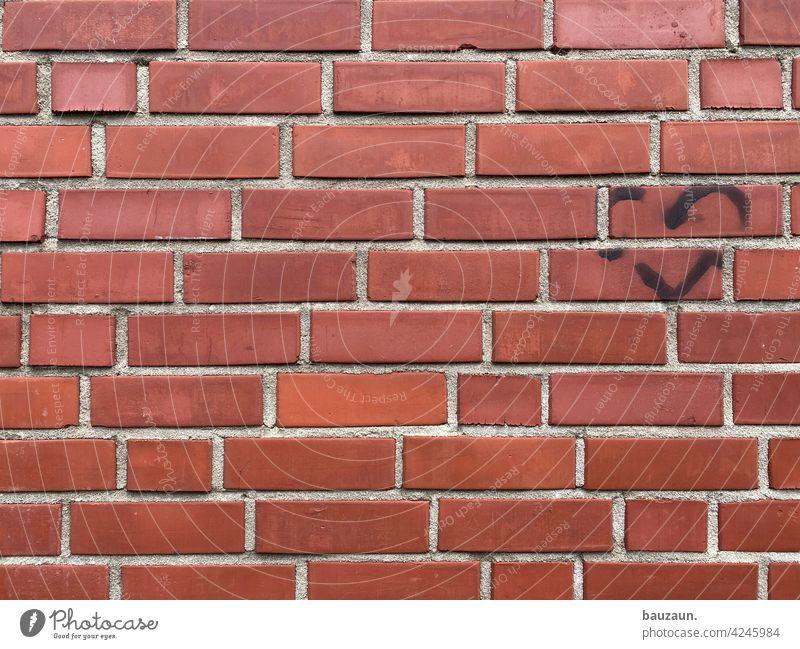 mauerliebe. Wand Liebe Herz Fugen mauerwerk Mauer Ziegel ziegelrot Ziegelsteine Fassade Fassadengestaltung Strukturen & Formen Mauerwerk Stein Baustoff Handwerk