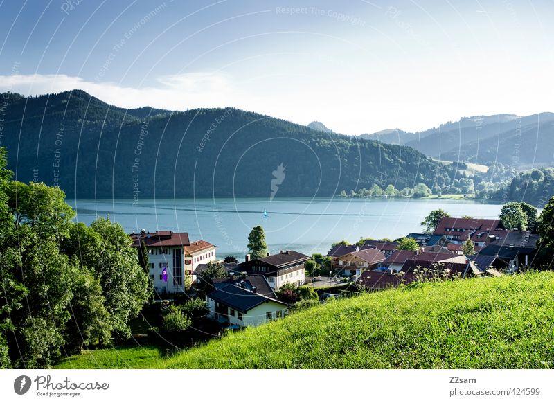 Schliersee Natur Landschaft Wolkenloser Himmel Sommer Schönes Wetter Wiese Alpen Berge u. Gebirge See Dorf Stadt Gebäude ästhetisch Ferne blau grün Gelassenheit
