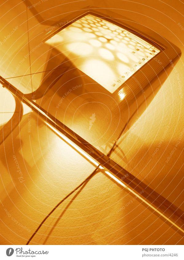 Golden IMAC Computer Schreibtisch Arbeit & Erwerbstätigkeit Design Elektrisches Gerät Technik & Technologie Business
