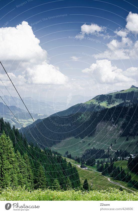 licht und schatten Natur Landschaft Himmel Wolken Sonne Sonnenlicht Sommer schlechtes Wetter Wiese Wald Alpen Berge u. Gebirge Gipfel ästhetisch dunkel einfach