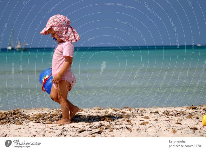 The End of Summer Kind Wasser Himmel Meer blau Sommer Strand Ferien & Urlaub & Reisen Wolken Wasserfahrzeug rosa süß Ende Schönes Wetter Segelboot Eimer