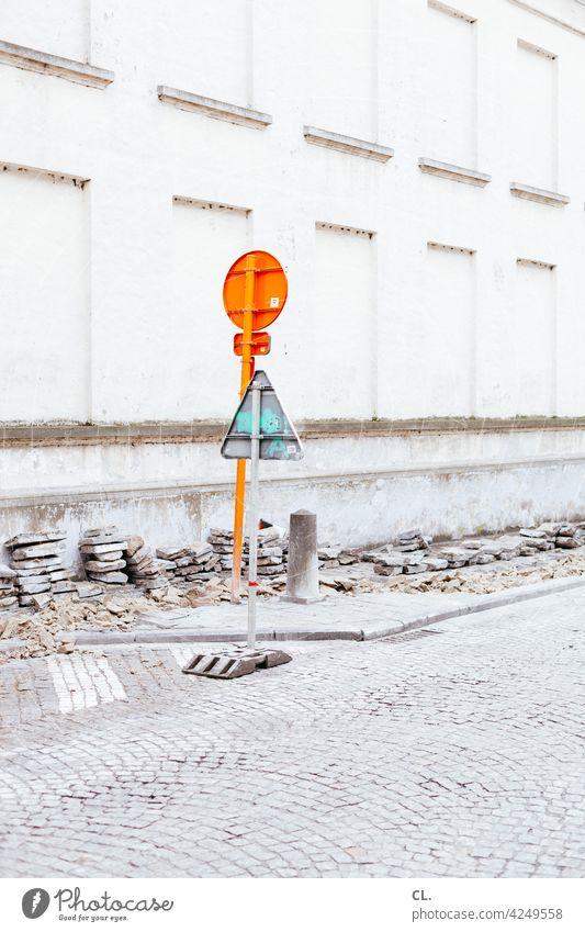 verkehrtschilder Verkehrsschild Straße Baustelle Kopfsteinpflaster Verkehrszeichen Wege & Pfade Schilder & Markierungen Verkehrswege Hinweisschild
