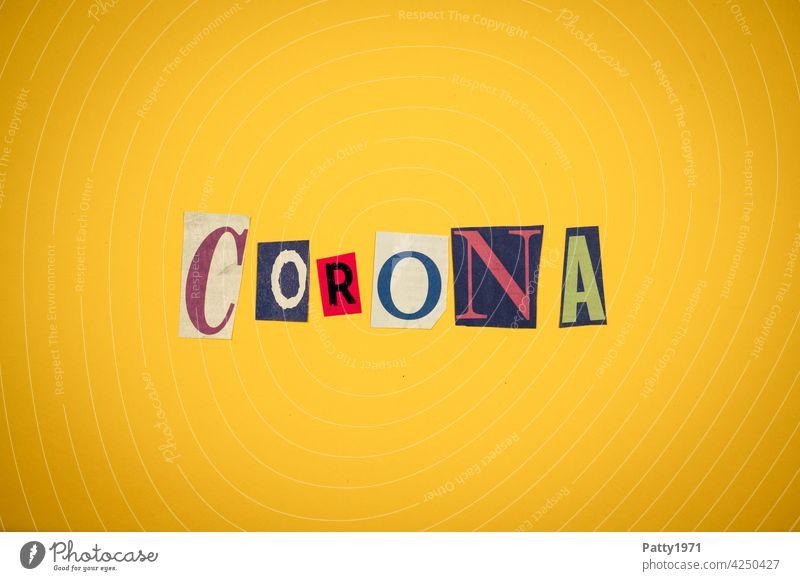 Corona thoughts  Ausgeschnittene Zeitungsbuchstaben bilden das Wort Corona corona Virus Pandemie zeitungsbuchstaben ausgeschnitten Corona-Virus COVID
