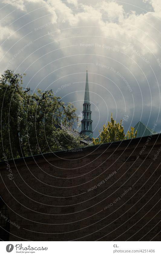 kirchturm Kirche Kirchturm Kirchturmspitze Religion & Glaube Himmel Wolken Christentum