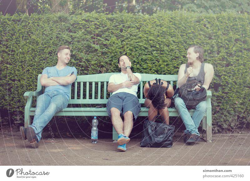 Freunde Schulhof Studium Student Business Karriere Sitzung sprechen Team Feierabend Freundschaft Jugendliche Leben 4 Mensch Menschengruppe 18-30 Jahre
