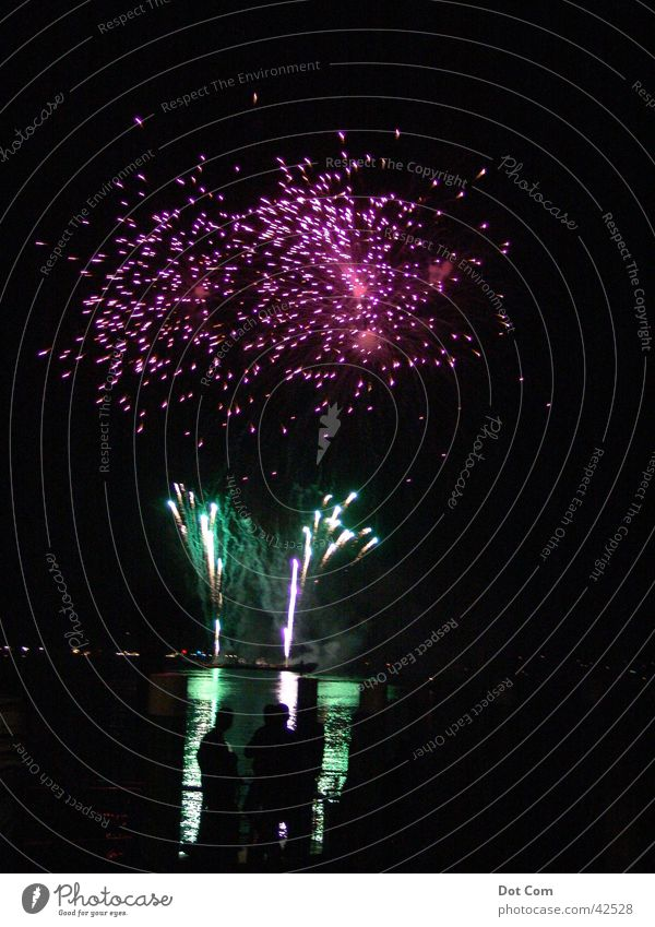 fireworks grün rosa violett Licht Freizeit & Hobby Feuerwerk Seenachtsfest Bodensee chinesisches Feuerwerk