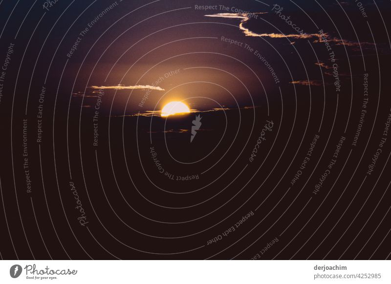 Die letzten Minuten  des Tages... Sonnenuntergang Natur Licht Wolken Landschaft Abenddämmerung Farbfoto Menschenleer Außenaufnahme Dämmerung Sonnenlicht Himmel