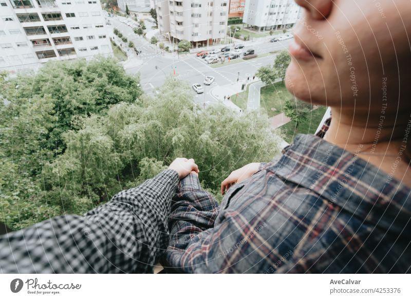 Menschen halten Hände, Selbsthilfe und Depression Konzept, minimale Kopie Raum Beratung Hilfsbereitschaft mental geduldig Problematik psychologisch Psychologin