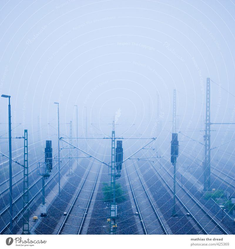 BEUSSELSTRAßE - MORGENS Himmel Wolken Nebel Verkehrsmittel Verkehrswege Güterverkehr & Logistik Bahnfahren Schienenverkehr Gleise dunkel kalt trist Linie