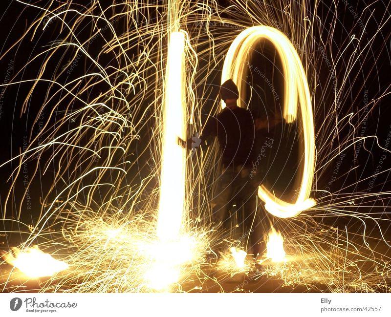 Let it burn baby! 2 Fackel Nacht Licht Mann Brand Bewegung Unschärfe