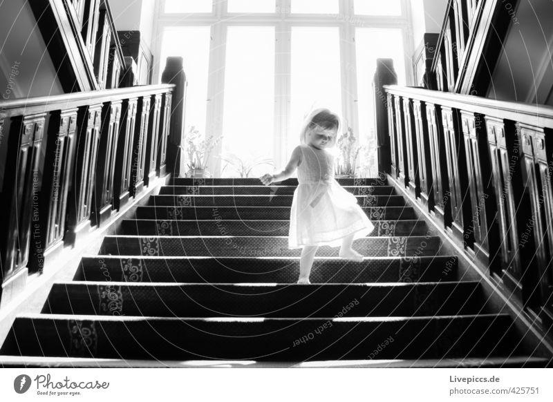 auf der treppe mensch ein lizenzfreies stock foto von photocase. Black Bedroom Furniture Sets. Home Design Ideas