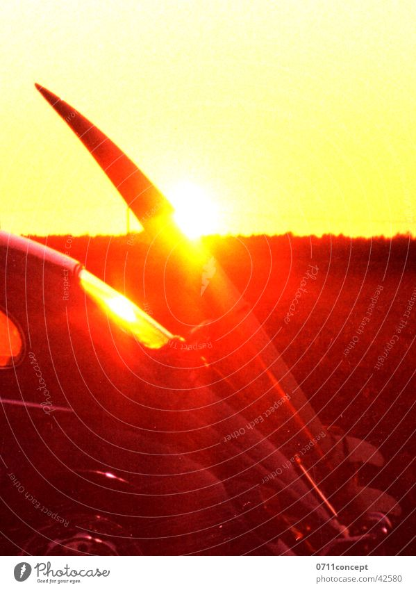Summer Surf-Bug Ferien & Urlaub & Reisen Käfer Surfbrett Frankreich Sonnenuntergang Reflexion & Spiegelung Heck unterwegs gelb rot Glut Meer Sehnsucht Lust