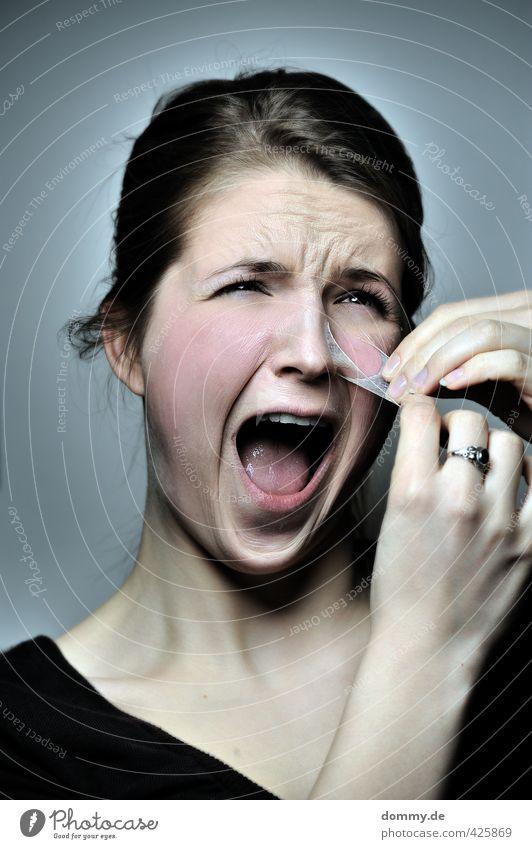skin of pain Mensch Jugendliche blau Junge Frau Erwachsene Gesicht kalt Auge 18-30 Jahre Gefühle feminin Haare & Frisuren Kopf Angst blond Mund