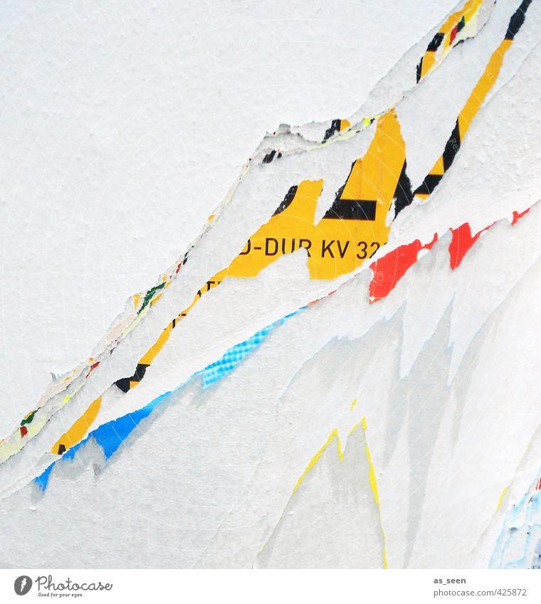 abgerissen Werbebranche Subkultur Printmedien Fassade Schriftzeichen alt authentisch Stadt blau gelb rot schwarz weiß Aggression ästhetisch bizarr Energie