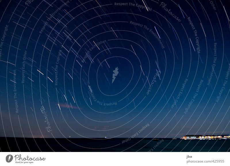 Nacht über Derawan Natur blau Sommer Meer ruhig Wolken Ferne dunkel Bewegung Freiheit Horizont leuchten Insel Urelemente Kreis Stern