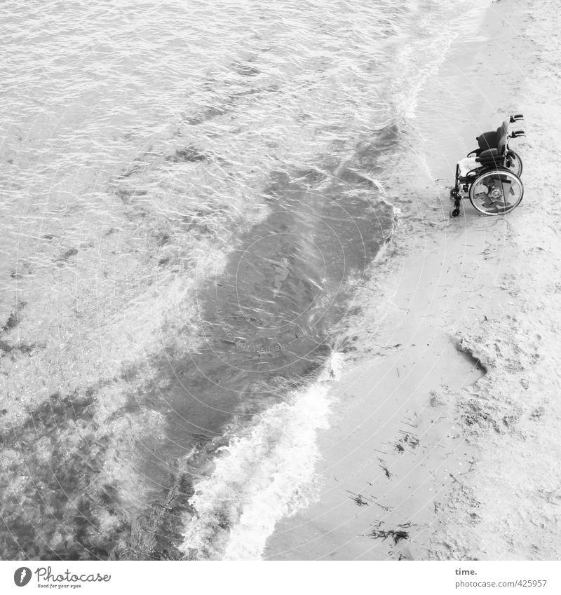 Fahrrad | Alternative Sand Wasser Schönes Wetter Wellen Küste Strand Ostsee Verkehr Verkehrsmittel Personenverkehr Fahrzeug Rollstuhl stehen Tapferkeit
