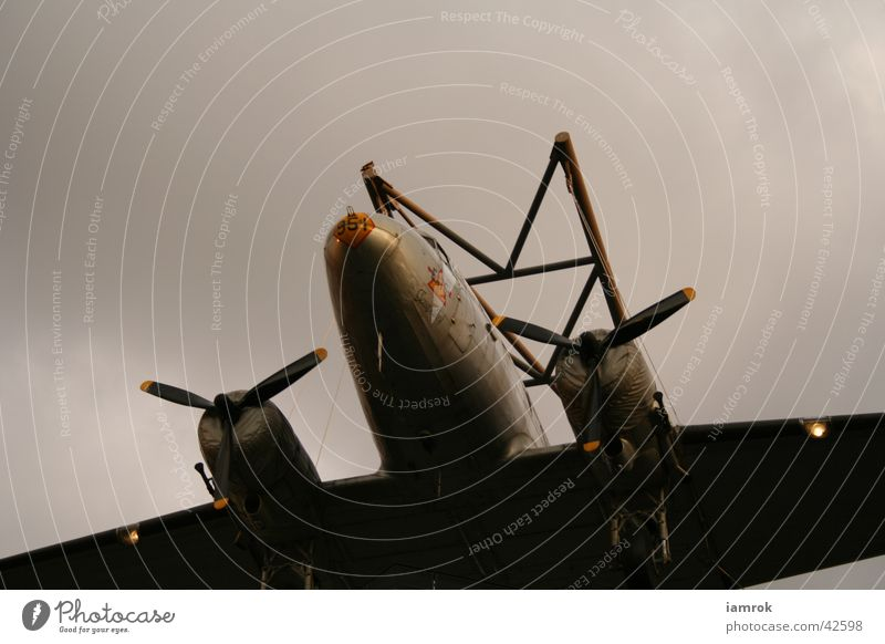 Rosinenbomber alt Wolken Flugzeug Luftverkehr Krieg