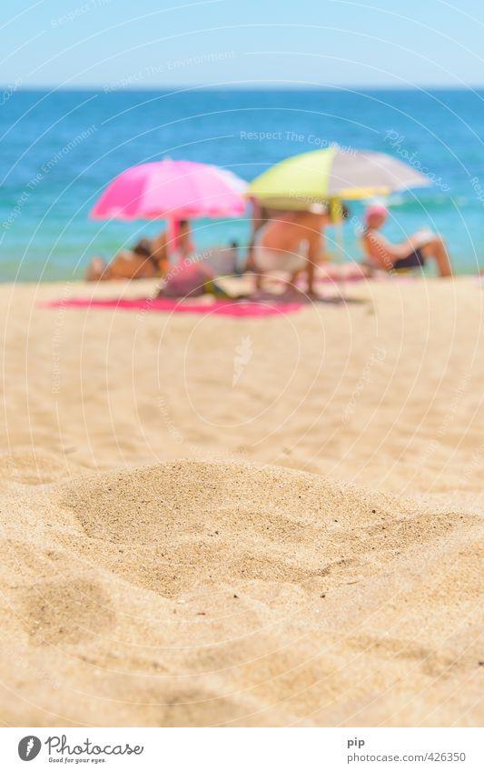 sand in sicht Mensch Natur Ferien & Urlaub & Reisen Sommer Sonne Meer Erholung Strand gelb Umwelt Wärme Küste Sand hell Menschengruppe Horizont