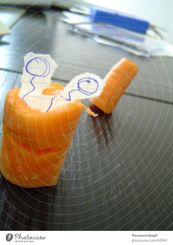 Schreibtisch-Nager mal vegetarisch Büro Gesundheit Papier Fühler Gemüse Möhre Wurm