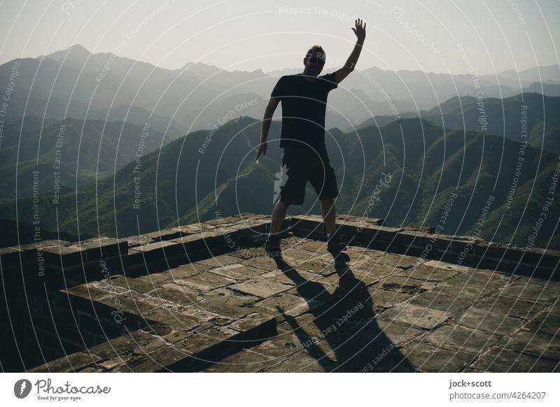 Grüße von der Großen Mauer jock+scott Wolkenloser Himmel Schönes Wetter Berge u. Gebirge Chinesische Mauer Sehenswürdigkeit Idylle Inspiration Bergkette