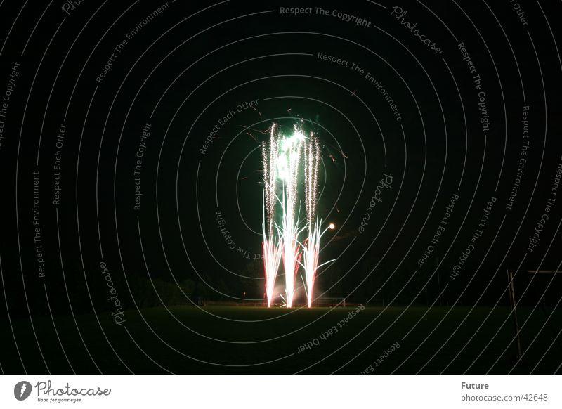 Feuerwerk2 Brand Silvester u. Neujahr Blitze obskur Knall