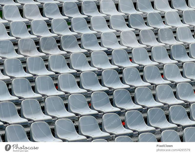 Sitzreihe stühle - outdoor Menschenleer Farbfoto Sitzgelegenheit Stuhl Reihe Bestuhlung Stuhlreihe Stadion, fußball