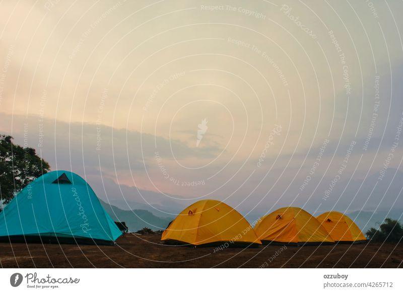 Campingzelt Zelt Berge u. Gebirge im Freien reisen Natur Abenteuer wandern Landschaft Urlaub Hintergrund Sommer Tourist Lager Sport Himmel Ausflug schön