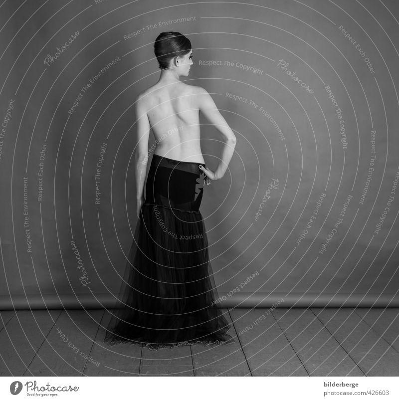 bloomber-2 Mensch feminin Junge Frau Jugendliche Körper Haut Rücken 18-30 Jahre Erwachsene Kunst Subkultur Mode Rock ästhetisch Erotik Gesundheit Gefühle