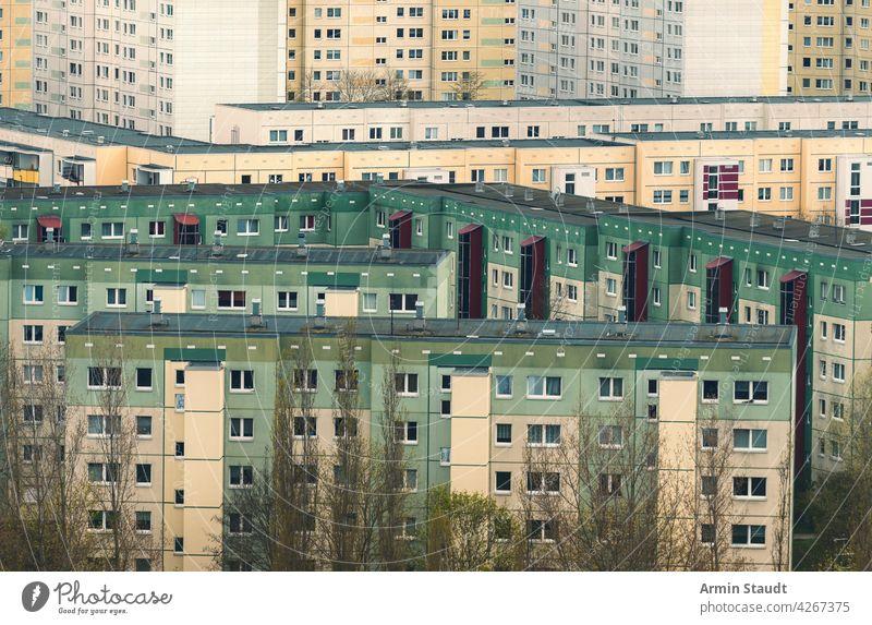 Häusermeer, Ausschnitt aus einer Wohnsiedlung in Berlin-Marzahn hellersdorf Gehäuse Anwesen abgeschnitten Architektur Wolkenkratzer Außenseite Deutschland