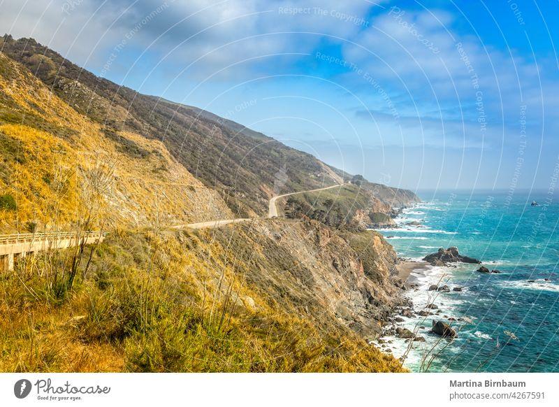 Leerer Pacific Highway 1 in Kalifornien an einem Frühlingstag, Big Sur kalifornische staatsstraße 1 pazifik Pacific Coast Highway Straße Autobahn 101 Küste leer