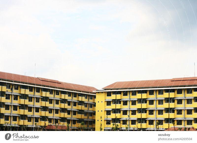 Wohngebäude Gebäude Appartement Architektur Großstadt modern wohnbedingt Fenster heimwärts Konstruktion Himmel Anwesen Außenseite urban Stadtbild Ansicht