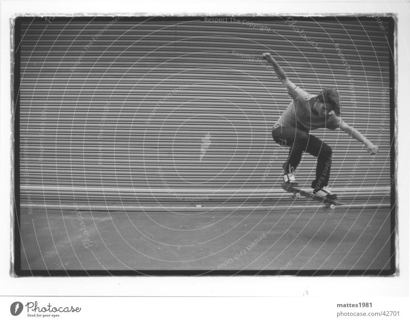 Skateboarding is not a crime Halfpipe London Underground Untergrund Lifestyle Limburg an der Lahn springen Am Rand abgehoben ungeheuerlich Mann Leben Olli