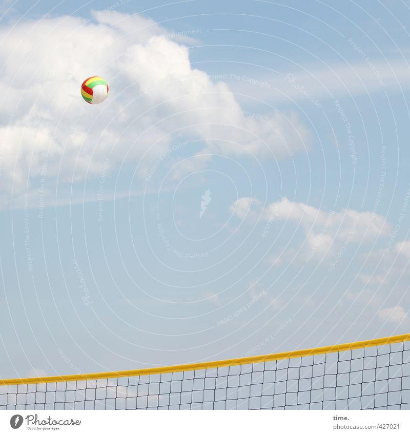 Kugelstoßen (soft version) Himmel Ferien & Urlaub & Reisen blau Erholung Freude Wolken Ferne gelb Leben Sport Wege & Pfade fliegen hoch Schönes Wetter