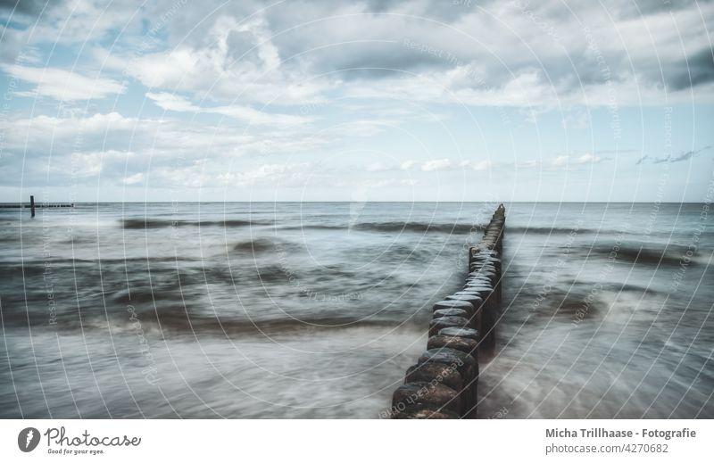 Buhnen in der Ostsee Insel Usedom Koserow Meer rau raue See Wasser Wellen Horizont Himmel Wolken Landschaft Natur Mecklenburg-Vorpommern