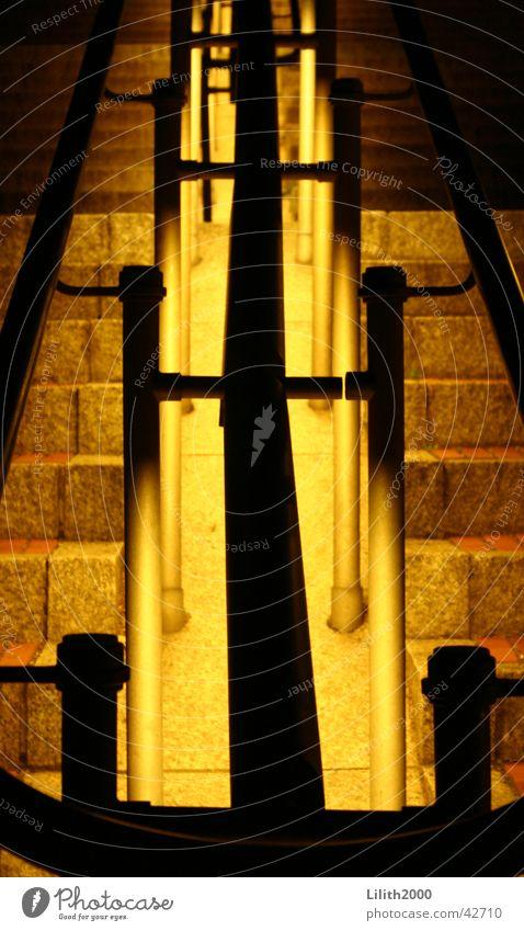 Geländer am Kölner Dom Sommer Beleuchtung Architektur Treppe