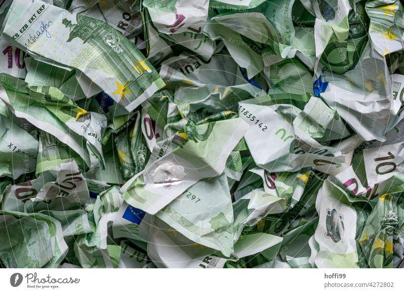 zerknülltes Geld - lauter 100 Euro Noten Geldscheine Bargeld Korruption Gier Einkommen bezahlen Kapitalwirtschaft Banknote Finanzen Eurozeichen Erfolg viele