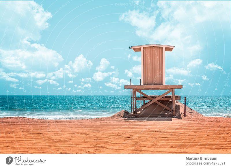 Rettungsschwimmerturm am Strand von Long Beach, Kalifornien Hütte Meer Küste Sicherheit Landschaft reisen Hintergrund blau Sand tropisch im Freien Wasser Ufer