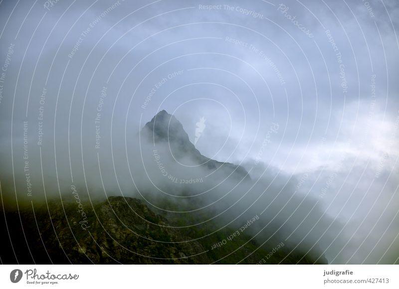 Lofoten, morgens Umwelt Natur Landschaft Urelemente Himmel Wolken Klima Wetter Unwetter Felsen Berge u. Gebirge außergewöhnlich bedrohlich dunkel gruselig