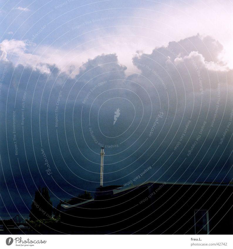 Schornstein Himmel Wolken Regen Dach Gewitter Wohngebiet