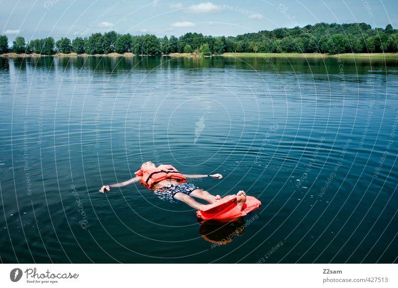 Keine Rettung in Sicht! Himmel Natur Jugendliche Ferien & Urlaub & Reisen blau grün Wasser Sommer Baum Einsamkeit Erholung Landschaft ruhig Erwachsene