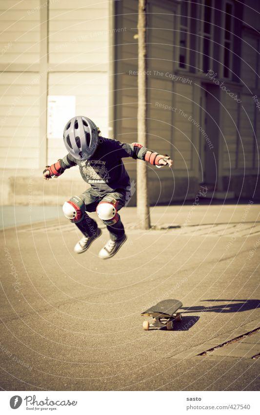 boarding days Lifestyle Freude Skateboard Kind Junge Kindheit Leben 1 Mensch 3-8 Jahre fahren fliegen springen sportlich authentisch Coolness trendy Bewegung
