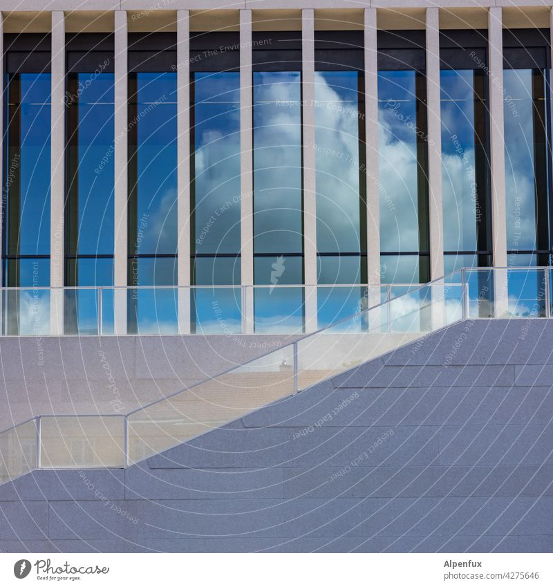 Stairway to heaven Treppe Himmel Himmel (Jenseits) Menschenleer Wolken Farbfoto Außenaufnahme Treppengeländer aufwärts aufsteigen jenseits Aufstieg