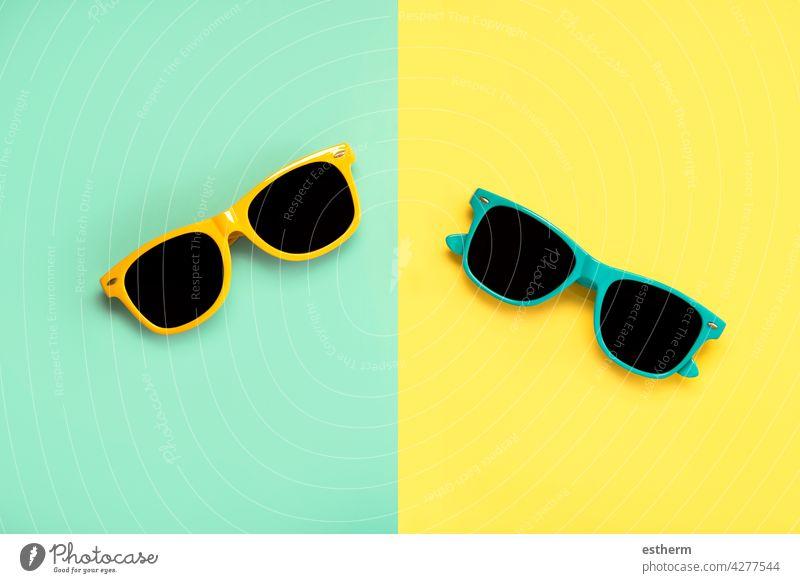 Ansicht der grünen und gelben Sonnenbrille von oben Sommer Strand Feiertage kreatives Muster uv Accessoire behüten Auge tragend Brille Zubehör Augenabnutzung