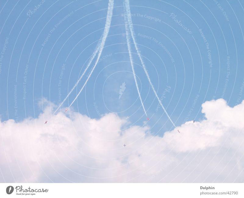 Airpower 05 Kunstflug Spanien Wolken Flugschau Flugzeug Luftverkehr Patrulla Aguila