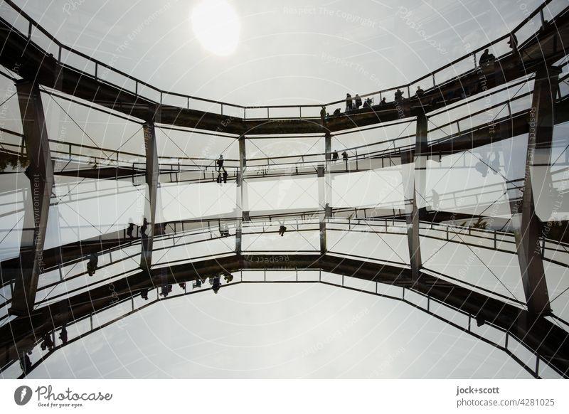 auf den kopf gestellt   Aussichtsturm im wolkenlosen Himmel Turm Architektur Doppelbelichtung Gegenlicht Silhouette Baumwipfelpfad abstrakt Strukturen & Formen